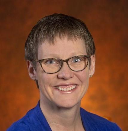 Lisa Schelbe